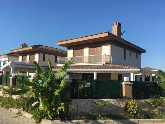 Freistehende Villa Mit Pool In Cesme Sifne