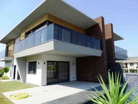 Für Verkauf Luxus-Villa Mit Pool In Cesme