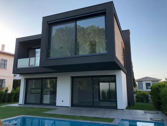 Luxus-Villa Mit Pool Zum Verkauf In Alacati