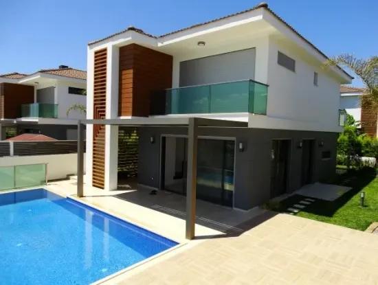 Alaçatı'Da Satılık Müstakil Havuzlu Lux Villa