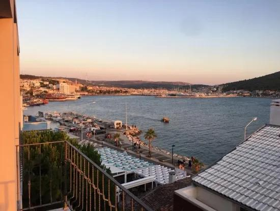 Çeşme'De Denize 150 M. Mesafede Manzaralı Sezonluk Kiralık Daire