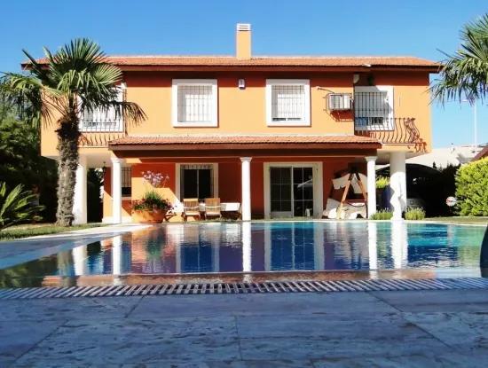 Çeşme Ilıca'Da Plaja 50 M. Mesafede Full Eşyalı Kiralık Villa