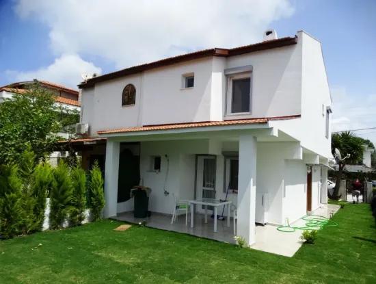 Alaçatı Çamlıkyol'Da Bakımlı Dublex Villa