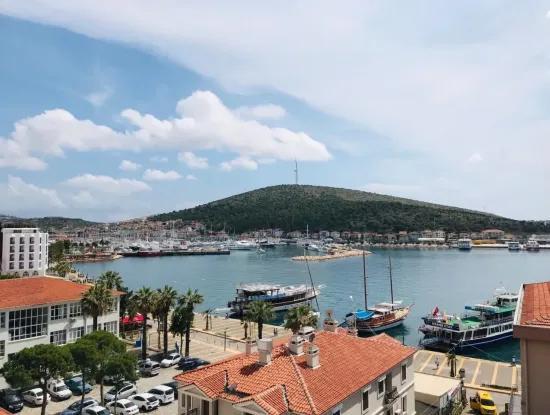 Çeşme'De Full Deniz Manzaralı Yıllık Kiralık 2+1 Lux Daire