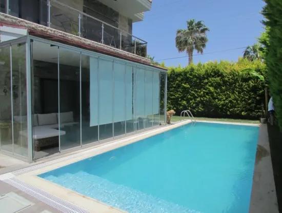 Alaçatı'da Satılık Müstakil Havuzlu Villa