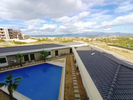 Çeşme'de Satılık Full Deniz Manzaralı 1+1 Residence Daire