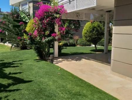 Çeşme Şifne'de Full Eşyalı Satılık 2 Yaşında Villa