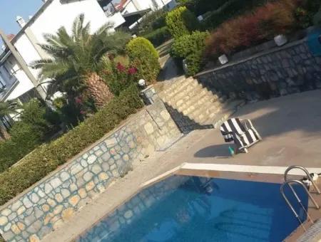 Çeşme'De Yıllık Kiralık Eşyalı Villa