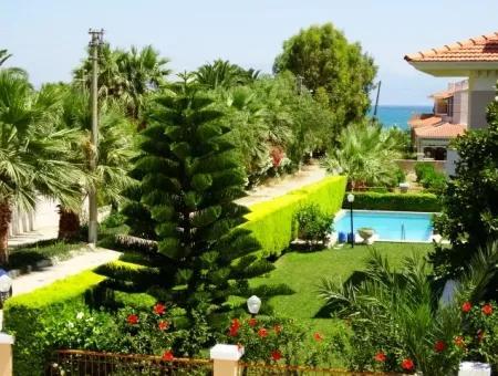 Çeşme Ilıca'da Denize 100Mt Mesafede Lüx Villa Atilla Emlak