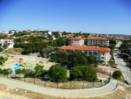 Çeşme'de Satılık Tam Müstakil Triplex Villa