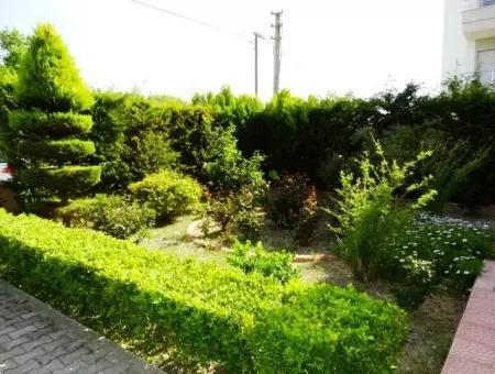 Çeşme Musalla'da Bahçeli 4+1 Daire
