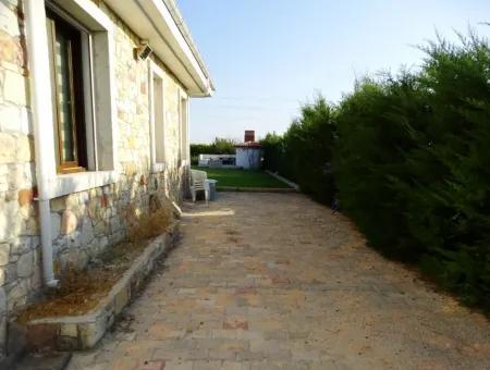 Çeşme'de Sezonluk Kiralık Müstakil Villa