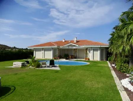 Çeşme'de Kış Dönemi İçin Kiralık Müstakil Villa